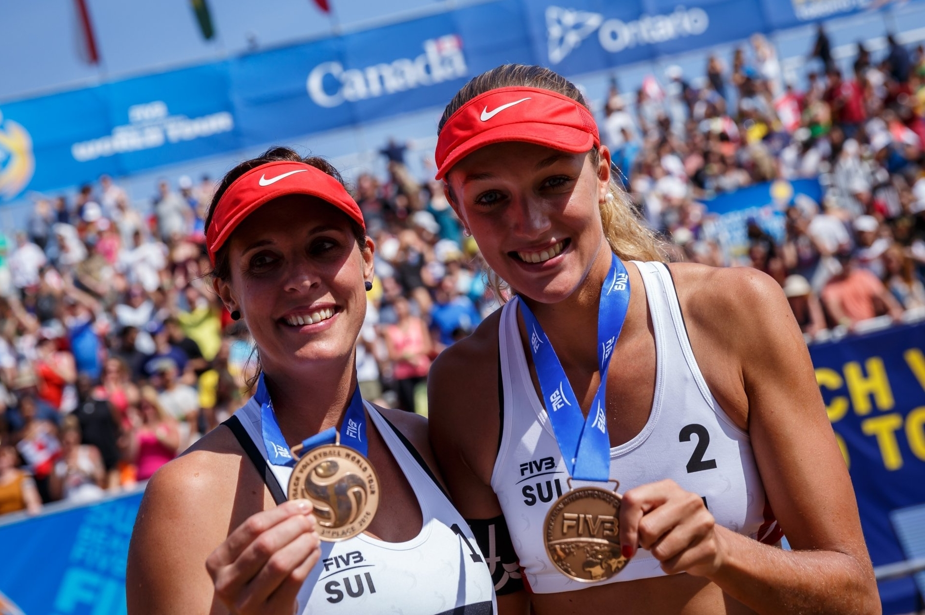 Isabelle (left) and Anouk won Swatch World Tour Finals bronze in Toronto last season
