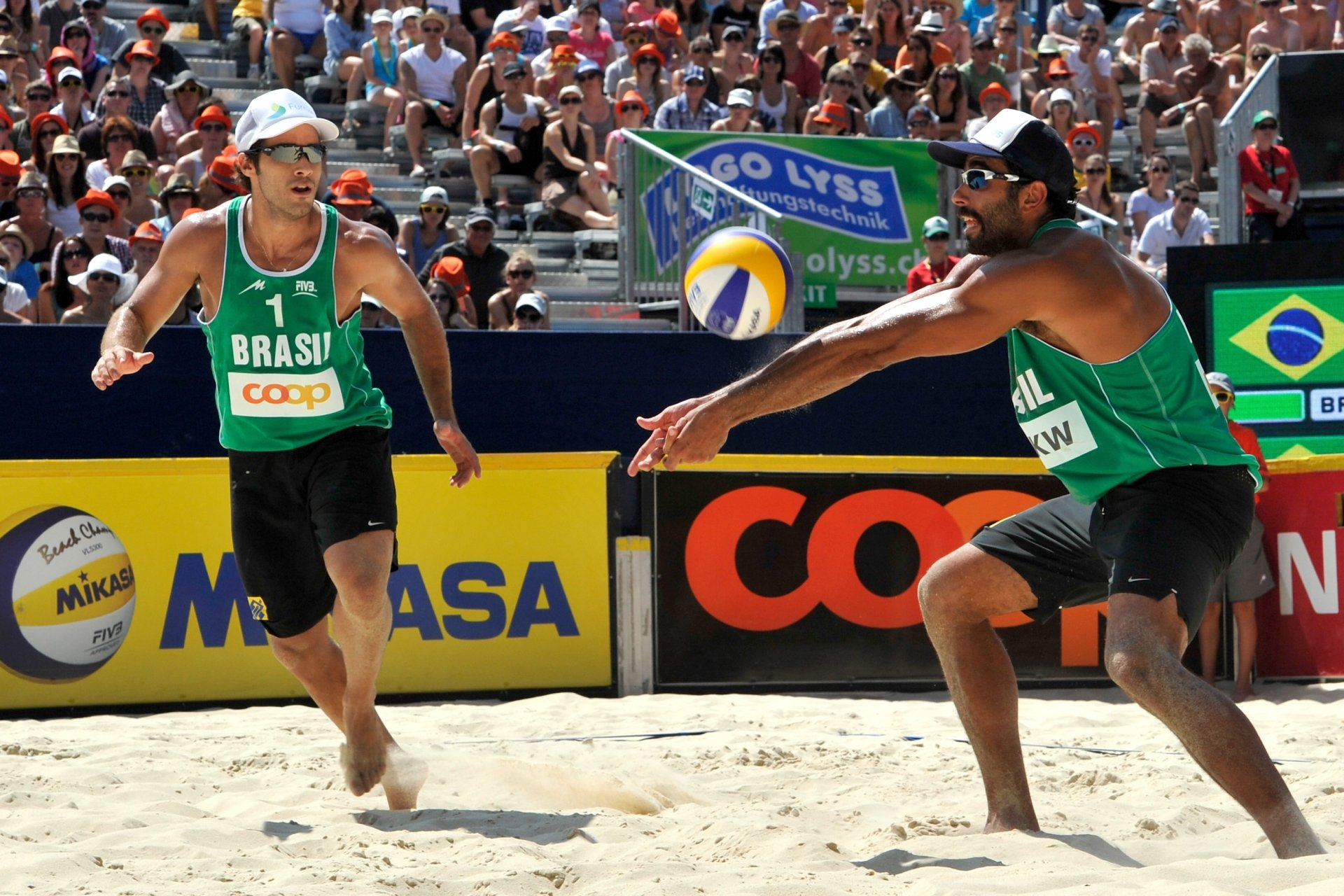 Pedro and Bruno played together in Gstaad in 2013 and won the silver medal in the Swiss Alps (Photocredit: FIVB)
